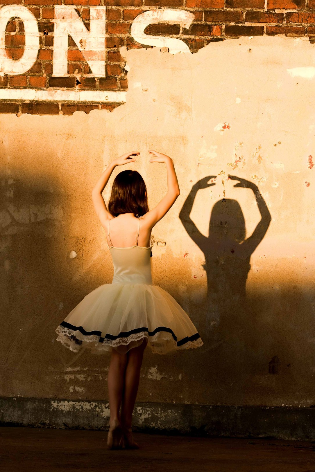 ballerina shadow
